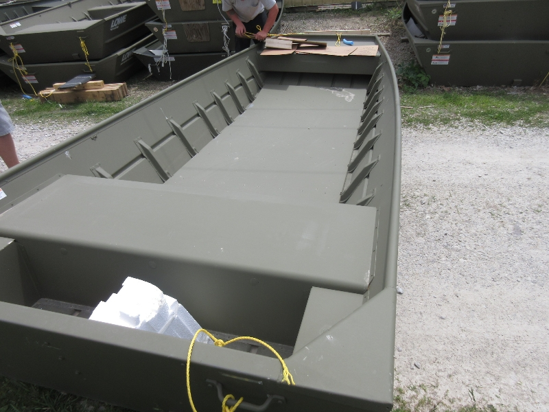 "2019 Lowe 1648 NCS T 20"" transom w/floor Scratch & Dent"